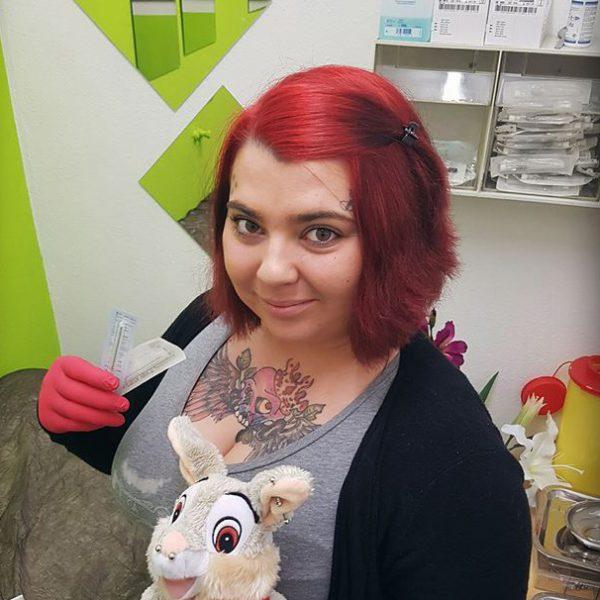 Tattoo-Künstler Lisa